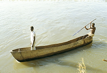 Dug out canoe on the River Nile at Mongala, southern area, Sudan, Africa