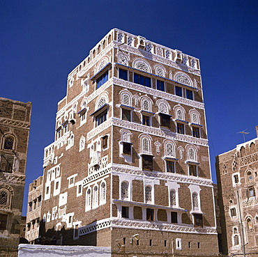 Traditional architecture, in the old Babylonian town of Sana'a, capital of north Yemen, Yemen, Middle East