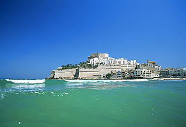 View to Citadel, Peniscola, Costa del Azahar, Castellon, Valencia, Spain, Mediterranean, Europe