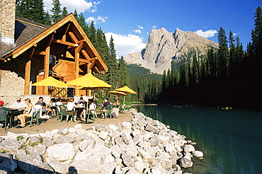 Restaurant overlooking Emerald Lake, with Mount Burgess beyond, in evening light, Yoho National Park, UNESCO World Heritage Site, British Columbia (B.C.), Canada, North America