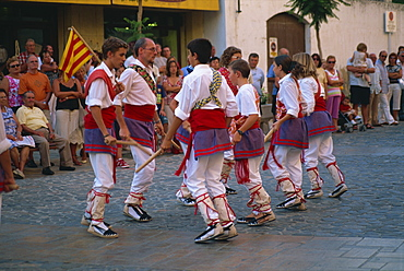 Ball de Bastons (Catalan stick dance) performed by local troupe in traditional costume, Torredembarra, Tarragona, Cataluna, Spain, Europe