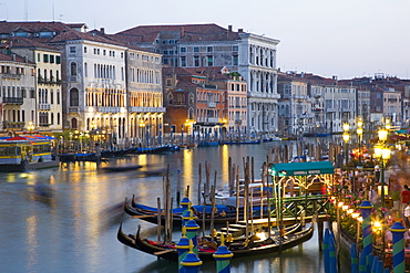 View from the Ponte di Rialto along the Grand Canal at dusk, San Polo district, Venice, UNESCO World Heritage Site, Veneto, Italy, Europe - 390-2706