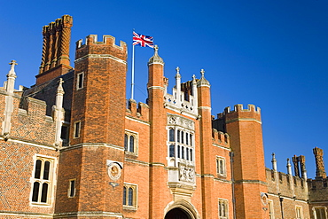 The great gatehouse and west front, Hampton Court Palace, Borough of Richmond upon Thames, Greater London, England, United Kingdom, Europe