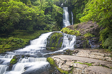 McLean Falls on the Tautuku River, Chaslands, near Papatowai, Catlins Conservation Area, Clutha district, Otago, South Island, New Zealand, Pacific