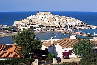 View to Citadel, Peniscola, Costa del Azahar (Costa del Alzahar), Valencia region, Spain, Mediterranean, Europe