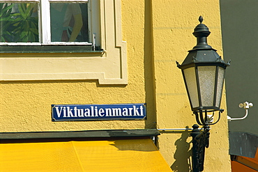 Street lamp and sign of the Viktualienmarkt in the city of Munich, Bavaria, Germany, Europe