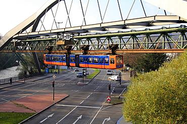 Overhead railway, Wuppertal, North Rhine-Westphalia, Germany, Europe