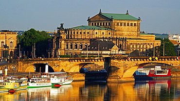 Elbe River, Semper Opera House, Dresden, Saxony, Germany, Europe