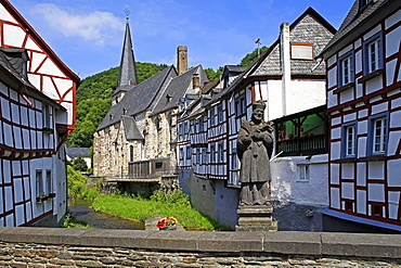 Half-timbered Houses in Monreal on River Elz, Eifel, Rhineland-Palatinate, Germany, Europe
