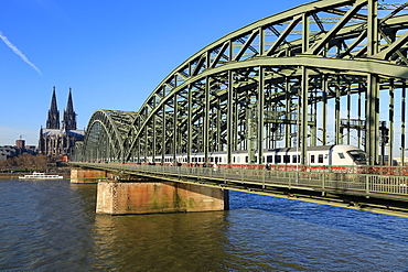 Hohenzollern Bridge with Cologne Cathedral, Cologne, North Rhine-Westphalia, Germany, Europe