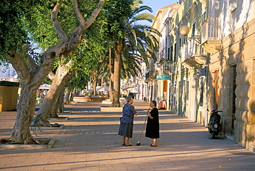 Via Cavour, street facing the harbour, Carloforte, southwest area, island of Sardinia, Italy, Europe