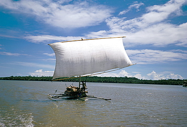 Fishing boat, south of the island of Sulawesi, Indonesia, Southeast Asia, Asia