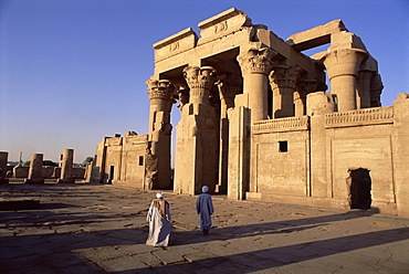 Forecourt and pylon, Temple of Sobek and Haroeris, archaeological site, Kom Ombo, Egypt, North Africa, Africa