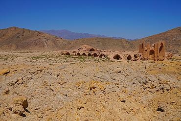 Ruined caravanserai on old Silk Route, near Natanz, Iran, Middle East