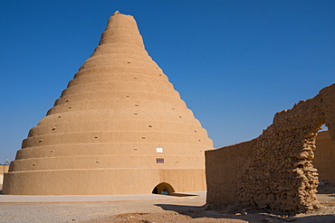 Ice house for preserving ice, Arbukuh, near Yazd, Iran, Middle East