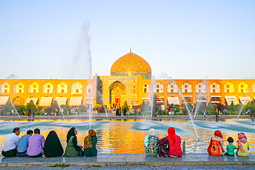 View across Naqsh-e (Imam) Square from Ali Qapu Palace opposite Sheikh Lotfollah Mosque, UNESCO World Heritage Site, Isfahan, Iran, Middle East