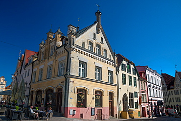 Old buildings converted into cafes and shops off Town Hall Square, Old Town, UNESCO World Heritage Site, Tallinn, Estonia, Europe