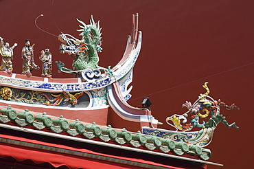 Detail of the Sian Chai Kang Temple in Chinatown, Singapore, Southeast Asia, Asia
