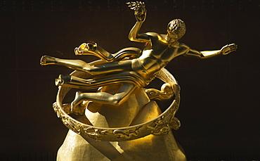 Prometheus statue, Rockefeller Center, Manhattan, New York City, New York, United States of America, North America