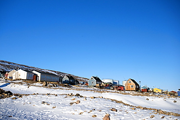 Colourful wooden houses in the village of Qaanaaq, one of the most northerly human settlements on the planet and home to 656 mostly Inuit people, Greenland, Denmark, Polar Regions - 465-3416
