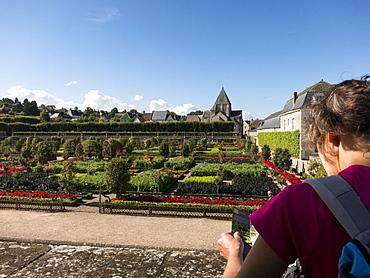Visitor at the kitchen gardens feature seasonal vegetables at the Chateau de Villandry, UNESCO World Heritage Site, Loire Valley near Tours, Indre et Loire, Centre, France, Europe