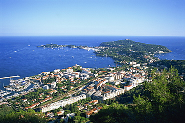 The town of Villefranche and Cap Ferrat on the Cote d'Azur, Provence, France, Europe