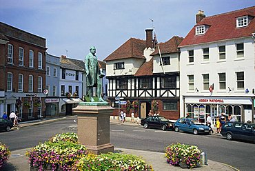 Maket Square and statue of Palmerston, Romsey, Hampshire, England, United Kingdom, Europe