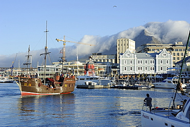 Replica pirate ship, Waterfront harbour, Table Mountain in background, Cape Town, South Africa, Africa - 483-1572