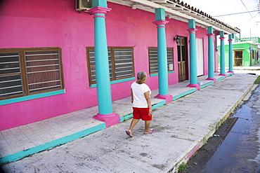 Colourful street scene, Tlacotalpan, UNESCO World Heritage Site, Mexico, North America