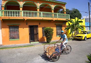 Street scene, Tlacotalpan, UNESCO World Heritage Site, Mexico, North America
