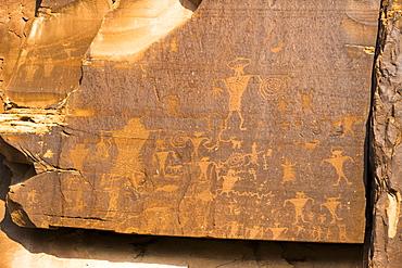 Petroglyphs, Colorado River basin, 6000 BC to 1300 AD, Utah, United States of America, North America