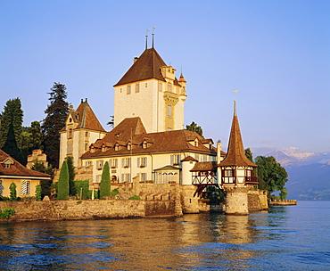 Oberhofen Castle, Lake Thun, Jungfrau region, Switzerland