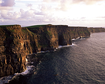 The Cliffs of Moher, County Clare, Munster, Eire (Republic of Ireland), Europe