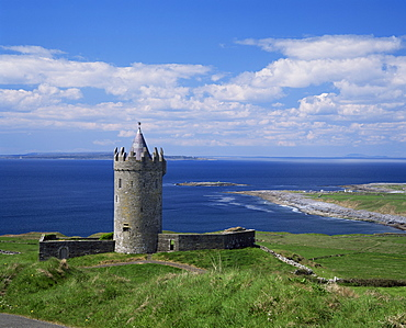 Doolin Tower and South Sound, County Clare, Munster, Eire (Republic of Ireland), Europe