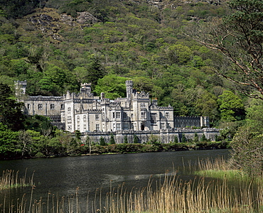 Kylemore Abbey, County Galway, Connacht, Eire (Republic of Ireland), Europe