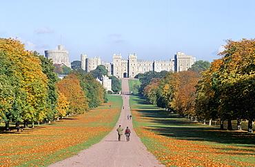 Windsor Castle and the Long Walk, Berkshire, England, United Kingdom, Europe