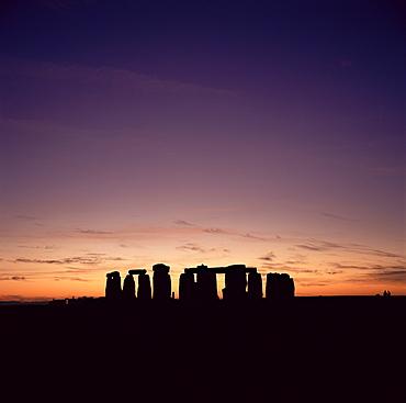 Stonehenge at sunset, UNESCO World Heritage Site, Wiltshire, England, United Kingdom, Europe