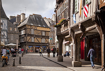 Medieval town centre, Dinan, Brittany, France, Europe