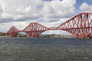 The Forth Rail Bridge, UNESCO World Heritage Site, Firth of Forth, Scotland, United Kingdom, Europe