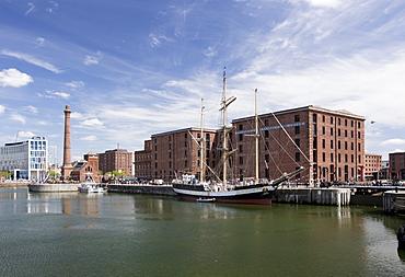 Merseyside Maritime Museum and the pumphouse, Liverpool, Merseyside, England, United Kingdom, Europe