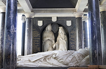 Hicks monument, St. James Church, Chipping Campden, Gloucestershire, Cotswolds, England, United Kingdom, Europe