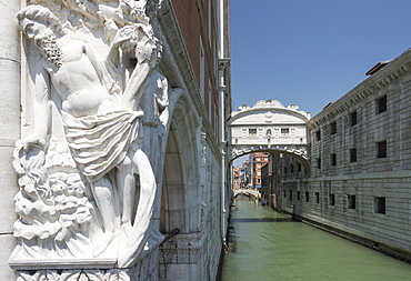 The Drunkenness of Noah on Doge's Palace and Bridge of Sighs, Venice, UNESCO World Heritage Site, Veneto, Italy, Europe