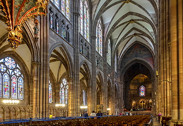 Nave looking East, Strasbourg Cathedral, UNESCO World Heritage Site, Strasbourg, Alsace, France, Europe