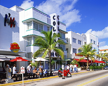 Outdoor cafes near the Colony Hotel, Ocean Drive, Art Deco District, Miami Beach, South Beach, Miami, Florida, United States of America, North America