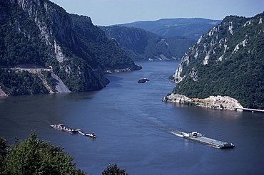 Iron Gates area of the River Danube (Dunav), Serbia, Europe
