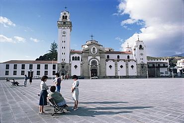 Plaza and Basilica of Candelaria, Santa Cruz, Tenerife, Canary Islands, Spain, Europe