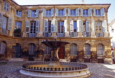 Place d'Albertas, Aix en Provence, Provence, France, Europe