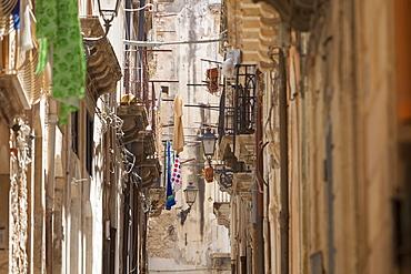 Back streets, balconies, Ortigia, Syracuse, Sicily, Italy, Europe