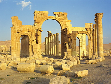 The Monumental Arch, at the ancient Graeco-Roman city of Palmyra, UNESCO World Heritage Site, Syria, Middle East