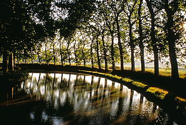 Canal du Midi, Languedoc-Roussillon, France, Europe